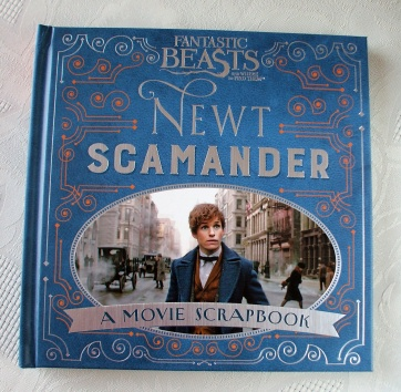 Fantastic Beasts. Newt Scamander. A Movie Scrapbook. NEW