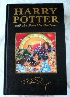 Harry Potter & the Deathly Hallows UK Deluxe First Edition (R)