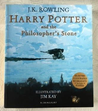 Harry Potter Philosopher's Stone Illustrated  Paperback 1st Edit