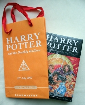 Harry Potter & the Deathly Hallows First Edition with Promo Bag