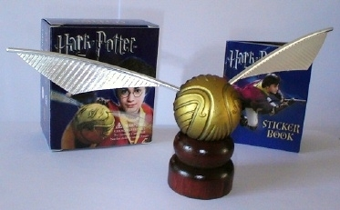 Harry Potter Golden Snitch Quidditch & Mini Sticker Kit!